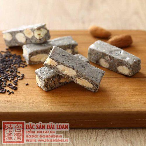 Keo nougat hanh nhan me den Yu Jan Shin